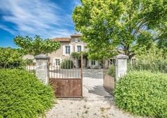 prestigieuse maison en vente fontaine-de-vaucluse, provence-alpes-côte d azur